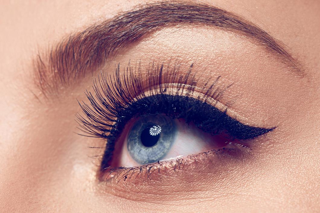 blue-eye-makeup